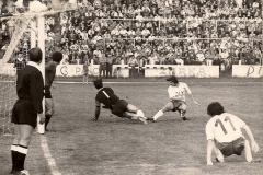 Spartak - Sloboda 1972 73, intervencija Rizaha Meškovića ispred Anta Hameršmita