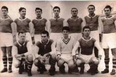 Tim iz 1954. godine -  Bogojevac, Jakovetić, Ognjanov, Peić, Takač, Čikoš, Branisavljević (stoje) Palfi, Bogešić, Glončak, Tapiška (čuče)