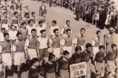 Fudbaleri subotičkog Spartaka na Prvomajskoj paradi 1946. godine